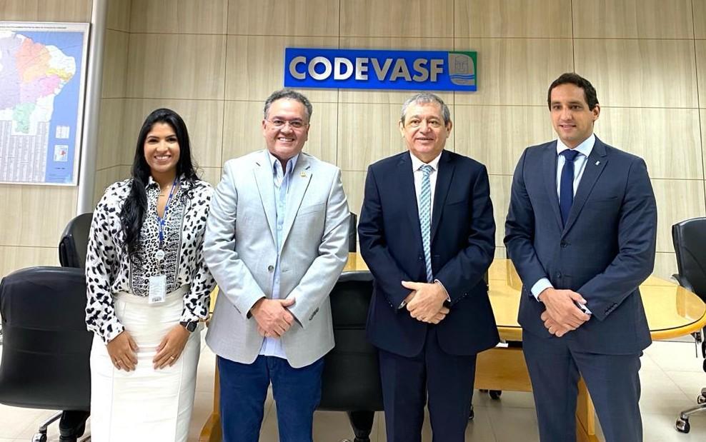 Roberto Rocha com a diretoria da Codevasf