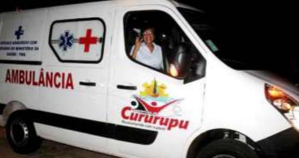 Prefeita Rosinha na ambulância de Cururupu