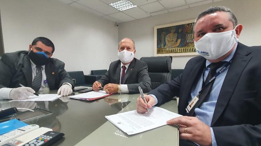Procurador-geral deu posse a Promotores de Justiça promovidos