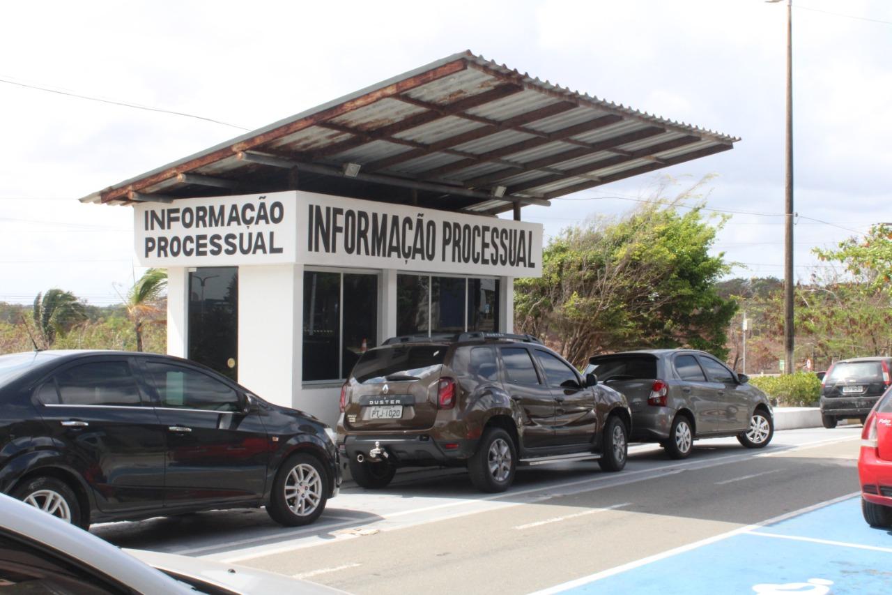 Drive-thru de carga processual no Fórum de São Luís