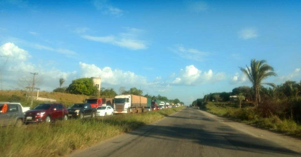 Trânsito parado na BR 135